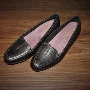 Clarks Everyday slip-on shoes size 7.5M